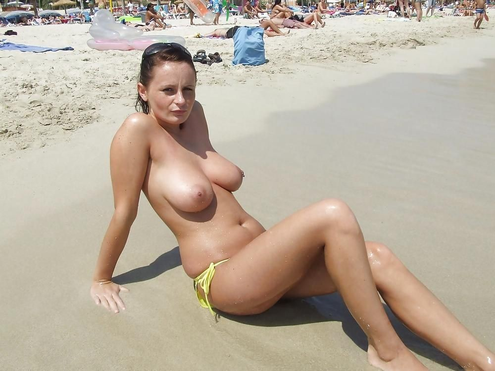 Amateur Topless Beach Amate Yuvutu 1